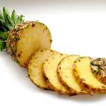 Ananas mit Currycreme